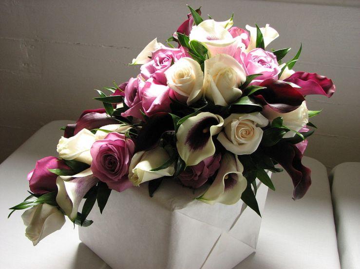 Cascading_bridal_bouquet